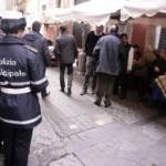 agenti_polizia_mercato