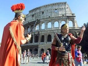 gladiatori_figuranti_colosseo_roma