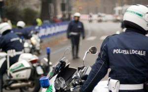 Polizia-municipale-agente-moto