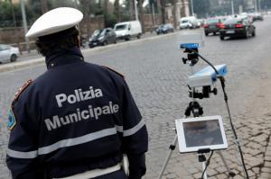 controllo-polizia-municipale-agenti