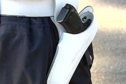 pistola-vigile-fondina