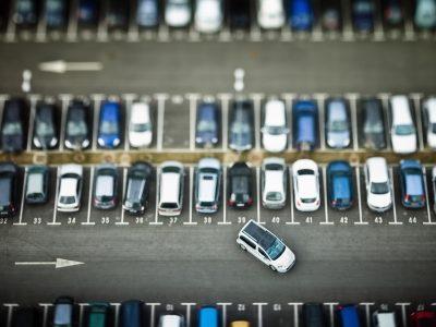 Parcheggio contromano